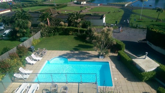 Goodrington Lodge Luxury Apartments: The Swimming Pool