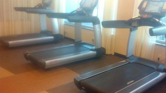 Hyatt House Los Angeles/El Segundo: fitness center treadmill