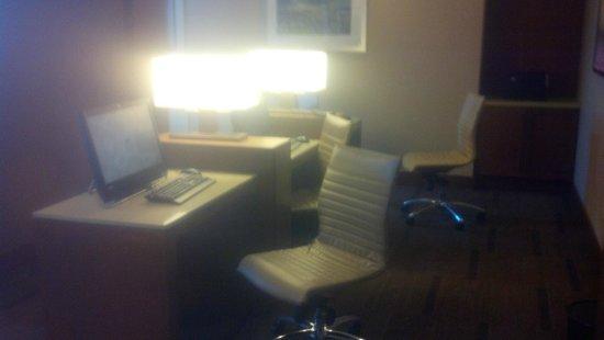 Hyatt House Los Angeles/El Segundo: lobby business center