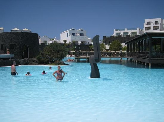 Hotel THe Volcan Lanzarote : Pool view 1