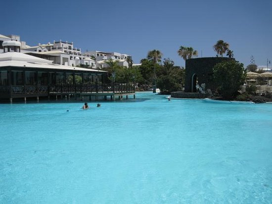 Hotel THe Volcan Lanzarote: Pool view 3