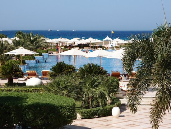 Premier Le Reve Hotel & Spa (Adults Only): Big pool