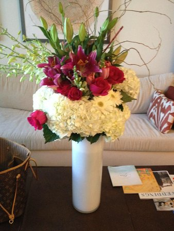 The Ritz-Carlton, South Beach: Beautiful flowers!