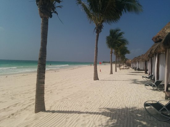 Secrets Maroma Beach Riviera Cancun: In front of the cabanas on the beach