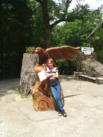Kentucky Down Under Adventure Zoo: Near the cave enterance