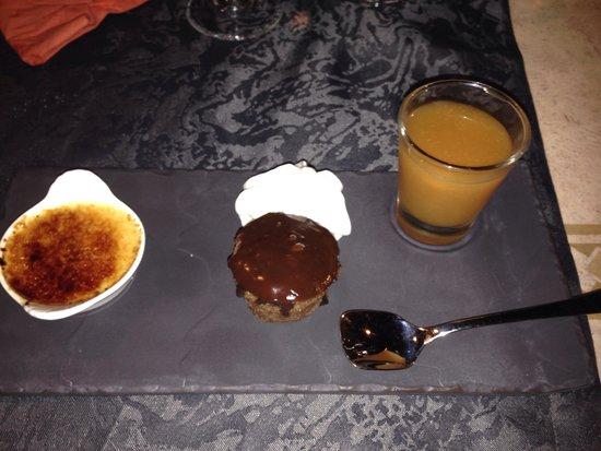 Le Continental : Ardoise de desserts