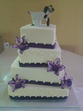 Suzybeez Cakez N Sweetz