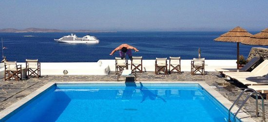 Hotel Tagoo: Great swimming pool with an amazing view