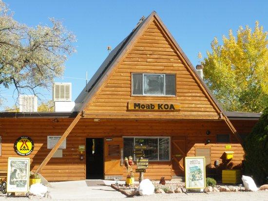 Moab koa updated 2018 campground reviews utah for Moab utah cabins