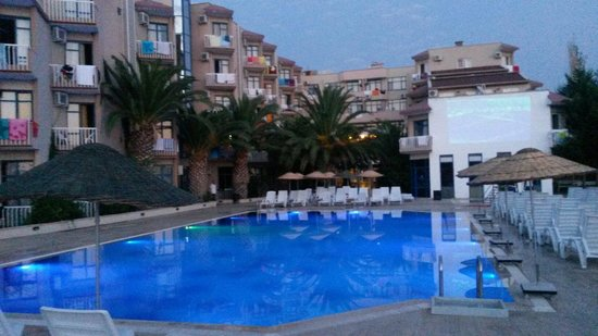 Hotel Club MTK: Havuz