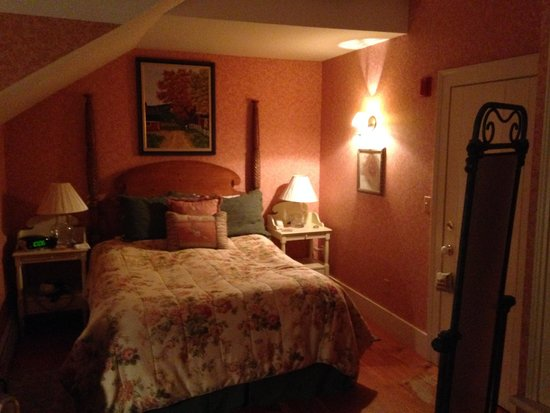 The Inn at Weston : Tuttle Room