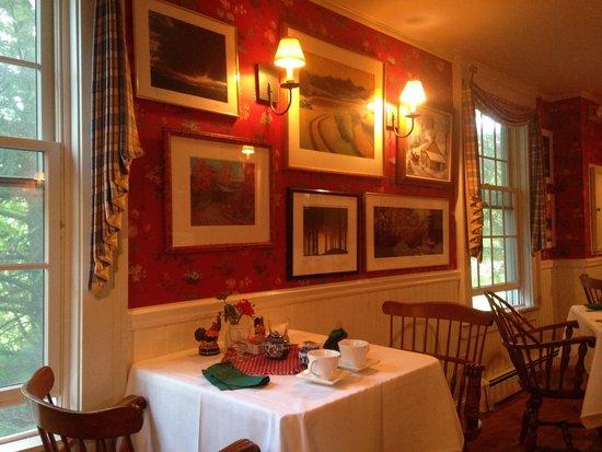 The Inn at Weston: Dining Room