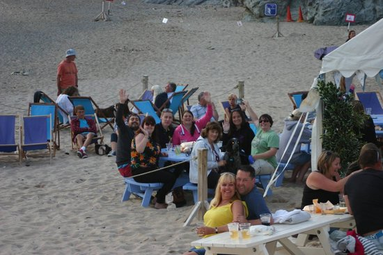 Lusty Glaze Beach Restaurant: Still on the beach at 9.30 p.m.!