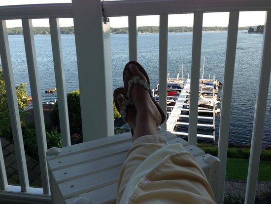 Geneva Inn: My Happy Feet are Very Comfy Now