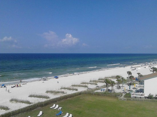 The Sandpiper Beacon Beach Resort: view from outside our room on the 6th floor near elevator