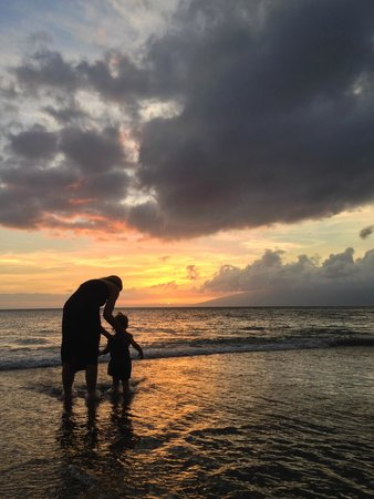 Valley Isle Resort 401 & 402: Wife and daughter at sunset