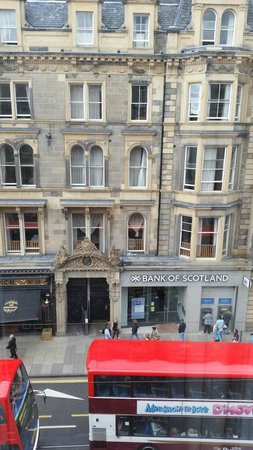 Cityroomz Edinburgh: View from room to the street.