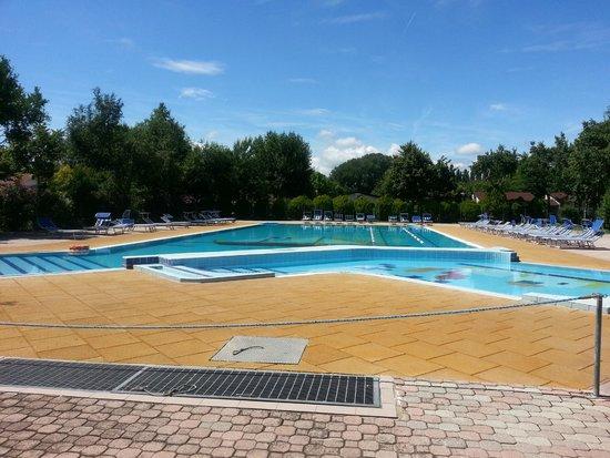 Villaggio San Francesco: Una delle piscine
