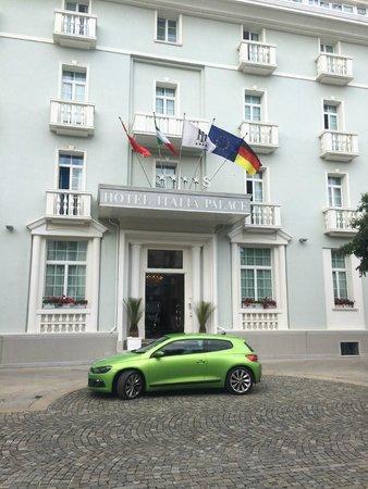 Hotel Italia Palace: Classic entrance
