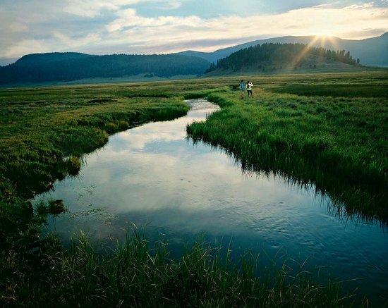 Valles Caldera National Preserve: Sunrise on the East Fork of the Jemez River