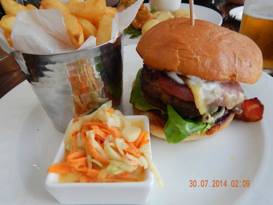 Edinburgh Capital Hotel: My burger