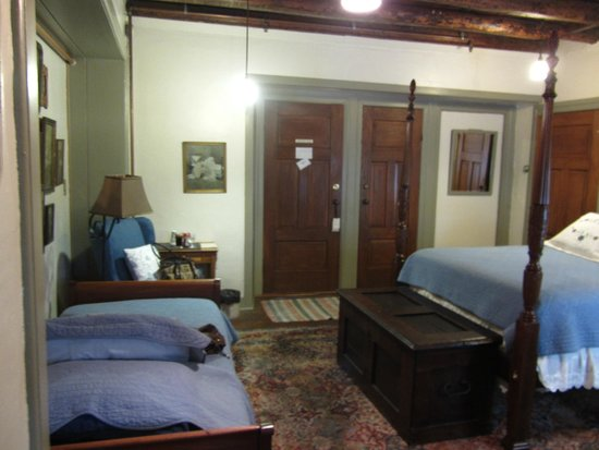 The Stagecoach Inn Bed and Breakfast: Room 10