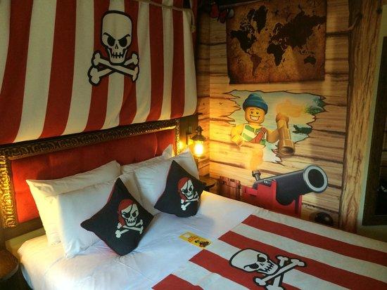 LEGOLAND Resort Hotel: The Pirate Room :)