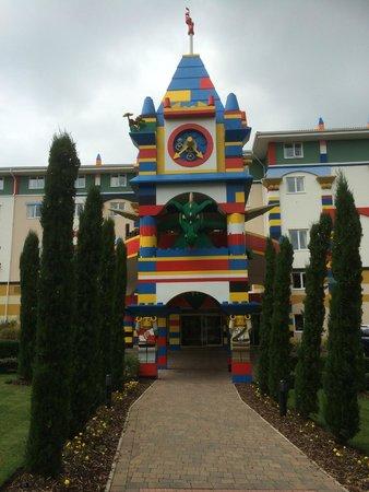 LEGOLAND Resort Hotel: Outside the hotel