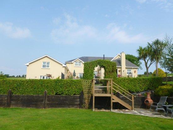 Kilcatten Lodge B&B: la maison vue du jardin