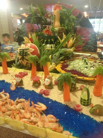 Family Life Avenida Suites: food