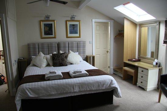 Ba Ba Guest House: Großes Zimmer mit großem Bett