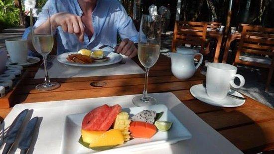 The Sarojin: breakfast is served