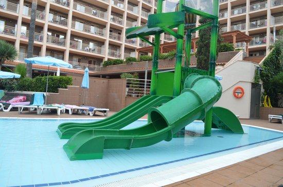 Family Life Avenida Suites: kids splash pool