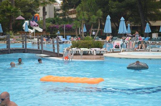 Family Life Avenida Suites: pool