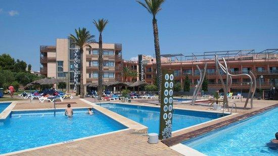 Ohtels Les Oliveres: Vue hotel et piscines