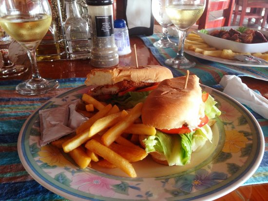 Bay View Hotel: Corvina sandwich and fries.