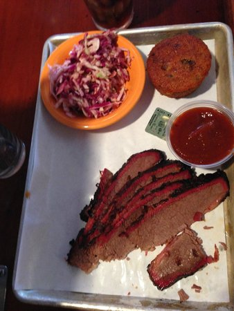 Black Dog Smoke & Ale House: Brisket and slaw
