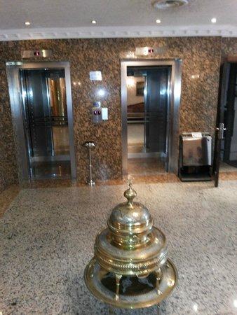 Aspen Hotel: lift