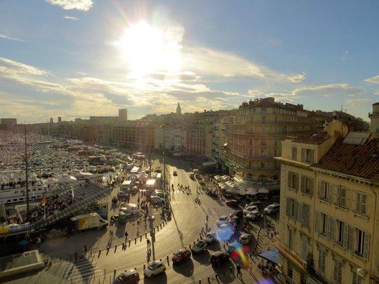 Escale Oceania Marseille Vieux Port: Precioso atardecer desde la habitación