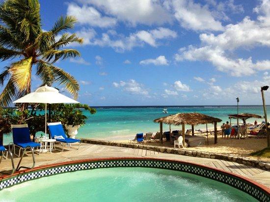 Jewel Dunn's River Beach Resort & Spa, Ocho Rios,Curio Collection by Hilton: Main pool area