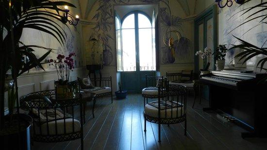 Lilium Hotel: Hall