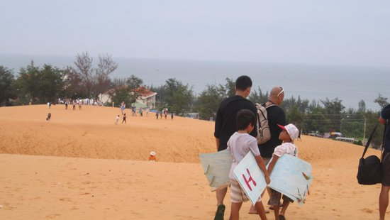 Red Sand Dunes : White Sand Dunes