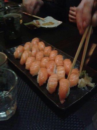 New Moon: Nigiri salmone
