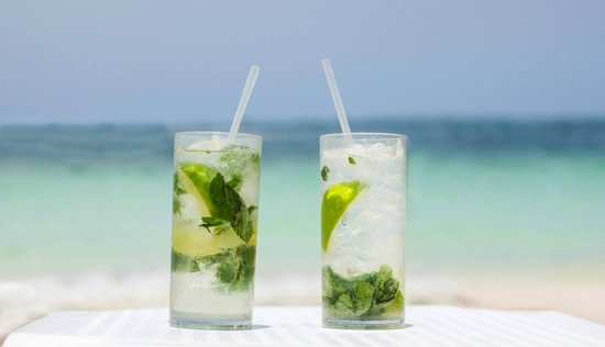Excellence Playa Mujeres : Delicious Mojitos on the beach