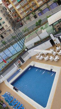Hotel Maya Alicante: Hotel pool