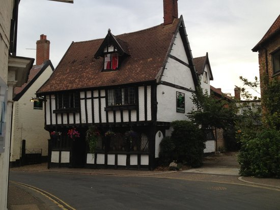The Green Dragon: The perfect pub