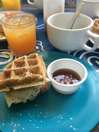 The Breakfast Club at Ola Lola's : The Wafflewich, a must have...