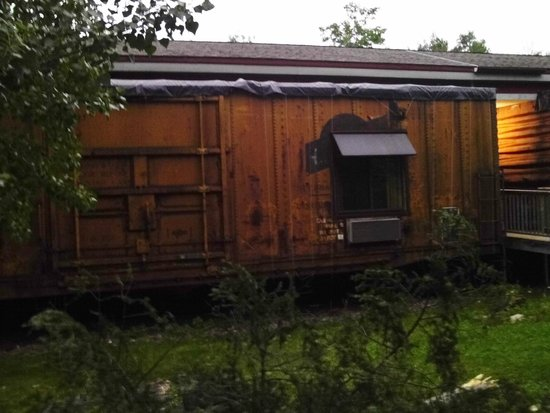 Northern Rail Traincar Inn: View from outside of the hotel room
