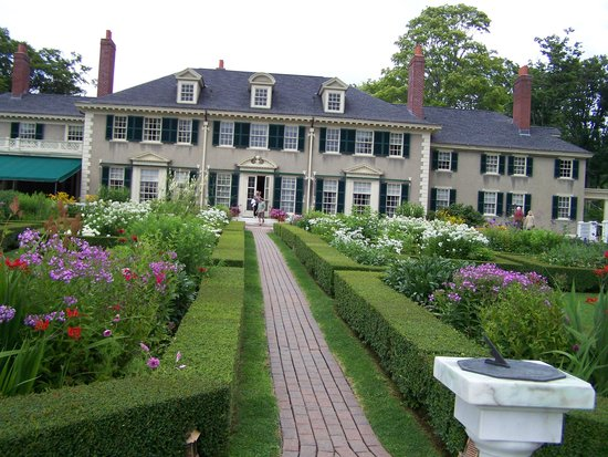 Hildene, The Lincoln Family Home: The back of the house from the garden