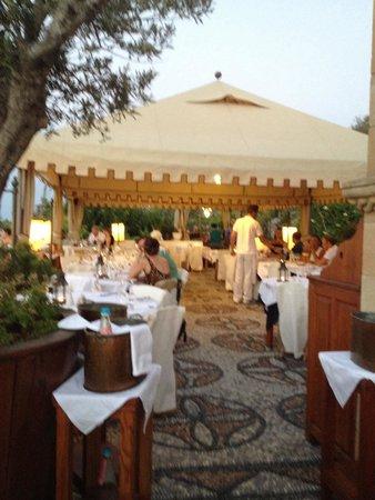 Melenos Lindos Hotel: Restaurant